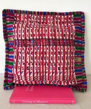 Housse de coussin en couleur rose