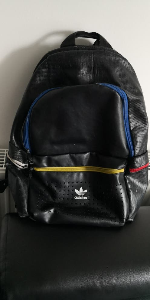 Backpack Brand Adidas. Good condition. Opportunity