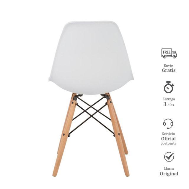 6 sillas blancas con patas de madera