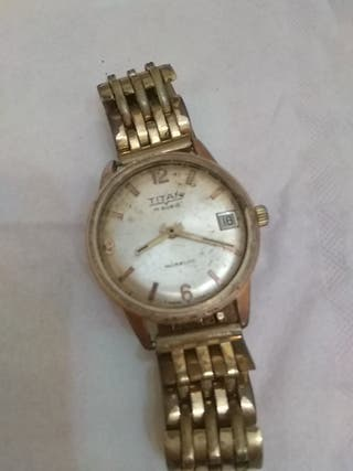 fcb5e8b3b537 Reloj de pulsera antiguo de segunda mano en WALLAPOP
