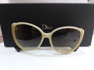 dcfbda680c Gafas Dior de sol de segunda mano en la provincia de Málaga en WALLAPOP