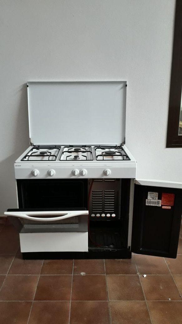 Cocina de gas con portabombona