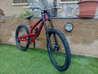 Bicicleta descenso YT tues