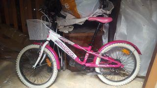 Bicicleta rosa Conor