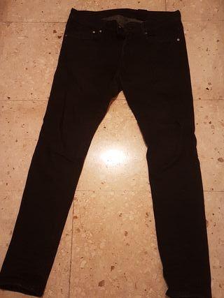 Pantalón vaquero hombre skinny H&M de segunda mano por
