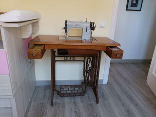 Máquina de coser Alfa modelo 53
