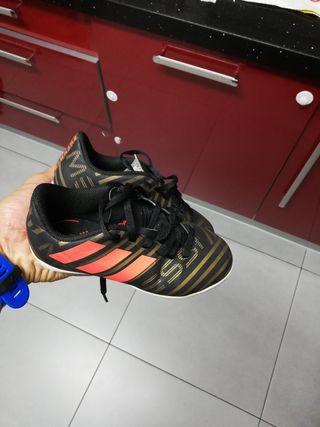 botas de Messi talla 29