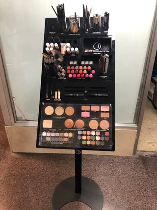 Expositor maquillaje