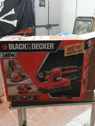 BLACK Y DECKER LIJADORA