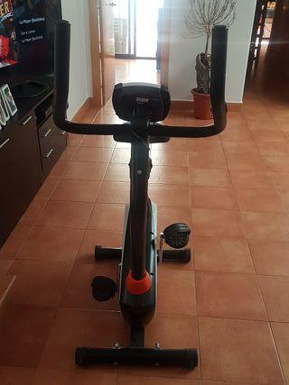 bicicleta estática y cinta de correr