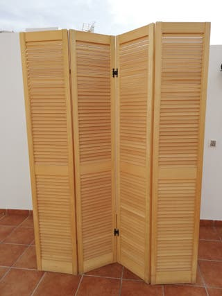 Biombo de madera. Divisor separador de estancias