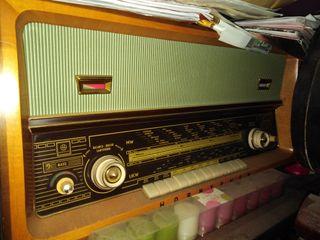 RADIO ANTIGUA A VÁLVULAS STEREO