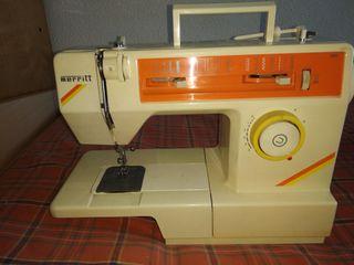 Maquina de coser Merritt 1486