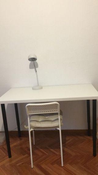 Mesa blanca ikea nueva muy poco uso