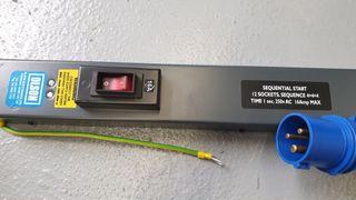 Regleta PDU vertical 12 enchufes nueva