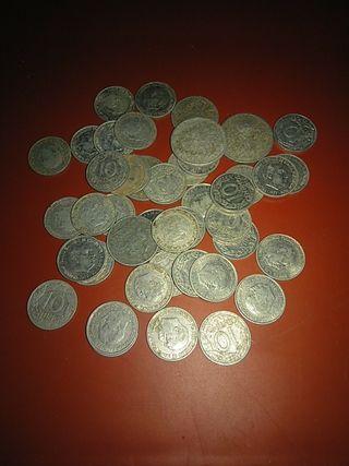 44 monedas de 10 centimos