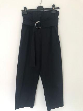 Pantalón azul marino zara