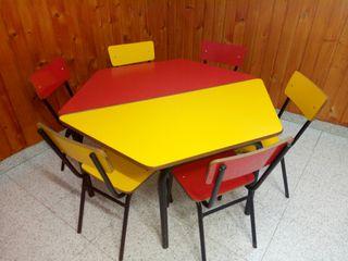 Mobiliario escolar.