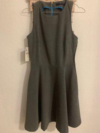 Vestido gris Zara. Talla M