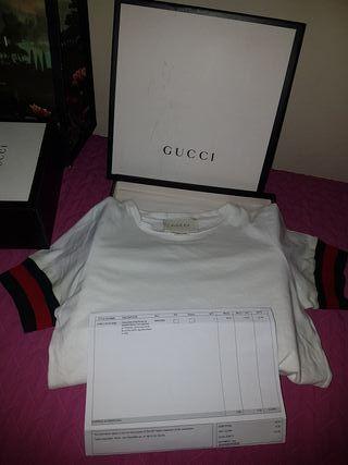 camiseta y zapatillas Gucci Niño