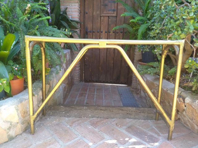 Consola Bambú