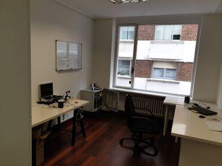 1 despacho en oficina de 3 despachos.
