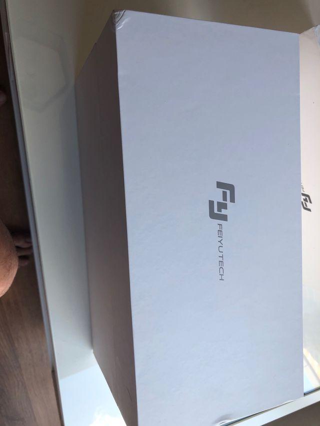 FEIYUTECH SPG Plus estabilizador 3 ejes móvil