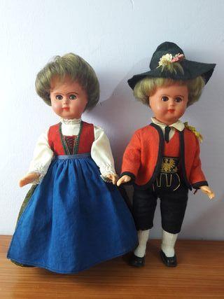 antiguos muñecos regionales