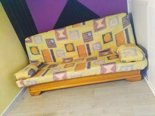 Sofá cama de madera de pino. (190x120)