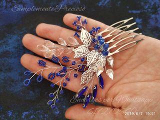 Preciosa Peineta madrina ,invitadas en color azul