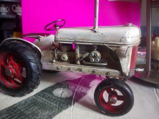 juguete metal antiguo. tractor a vapor.