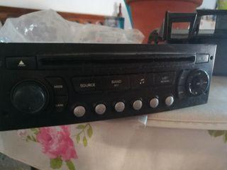 Citroen C4 2008 radio original en perfecto estado