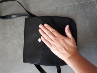 pochette Longchamps negra
