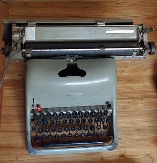 Maquina de escribir Olivetti Lexicon-80