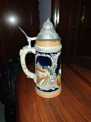 antigua jarra de cerveza alemana