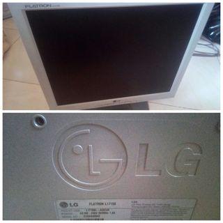 "Monitor TFT LG Flatron 17"""