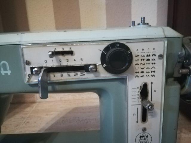 Maquina de coser ALFA ROTOMATIC, Antigua.