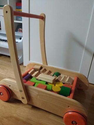 Andador correpasillos de madera con bloques