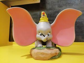 Dumbo Disney park