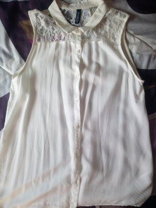 Camisa blanca con encaje