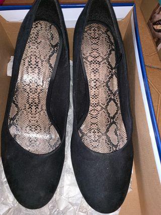 Zapatos tacón en ante T41