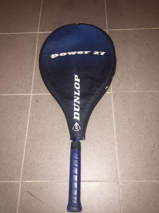 Raqueta de tenis con funda