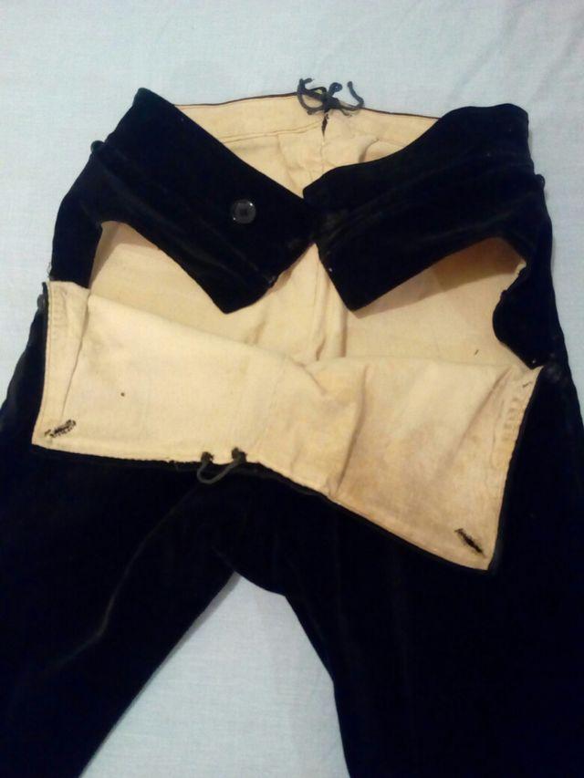 Antiguo calzon indumentaria