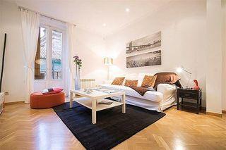 Apartamento en alquiler en Cortes - Huertas en Madrid