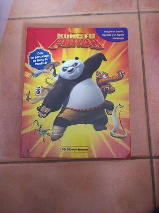 libro y figuras kung-fu panda