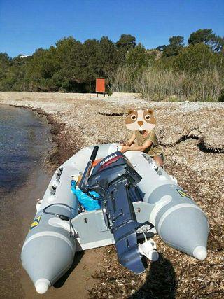 bote neumático, barco zodiac, rubber dinghy,