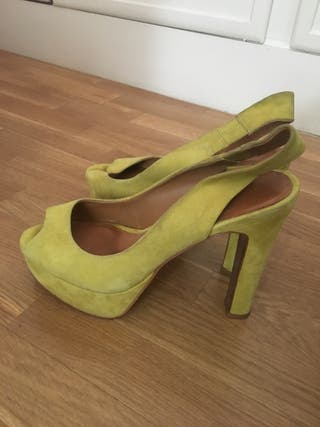 Zapatos Zara amarillos 36