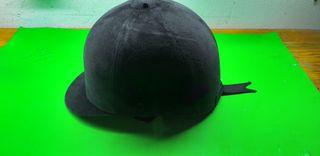 casco de hípica en buen estado