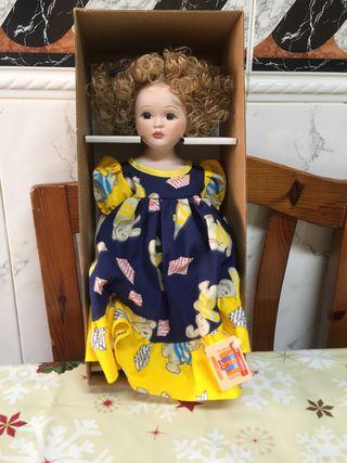 Muñeca de porcelana Unión de Compras.