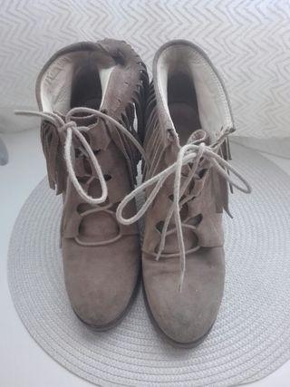 25a270ab Botines Zara con cordones de segunda mano en la provincia de Madrid ...